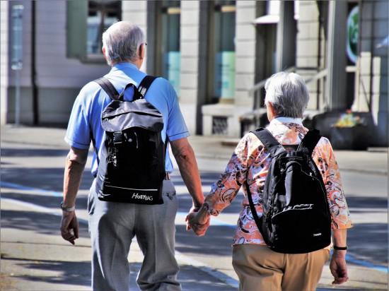 Stara miłość nie rdzewieje! Jak odnaleźć dawnych znajomych?